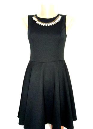 Платье неопреновое фактурное с украшением р 10-12 quiz