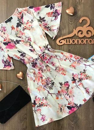 Романтичное платье с широкими рукавами, акцентом на талии и красивым цветочным принтом    dr0916
