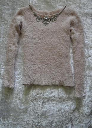 Нежный свитер-травка