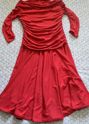 Яркое платье сша