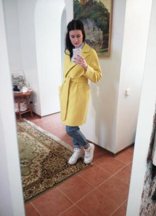 Пальто а-tan (андре тан), размер xs, канареечного цвета