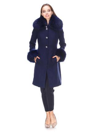 Новое шерстяное  пальто с  натуральным мехом