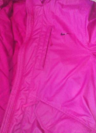 Куртка  nike оригинал демисезонная, малинового цвета, l