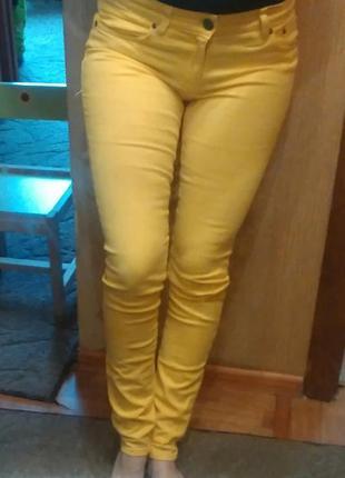 Ярко желтые джинсы нм