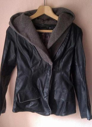 Куртка кожзам с капюшоном