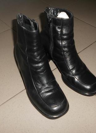 Ботиночки на толстом каблуке кожа