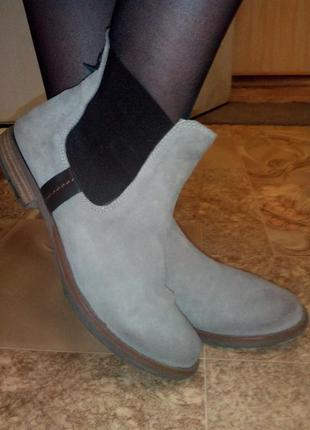 Классные деми ботинки catwalk