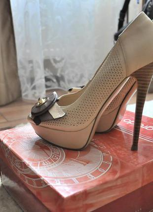 Grado, туфли на высоком каблуке