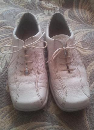 Спортивные туфли из натуральной кожи