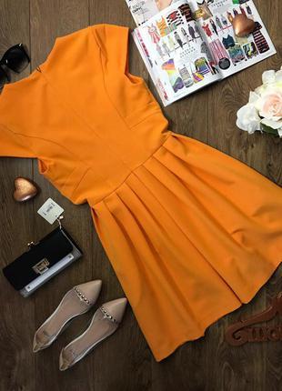 Жизнерадостное платье для теплого межсезонья с плиссированной юбкой и оригинальным верхом    dr1056
