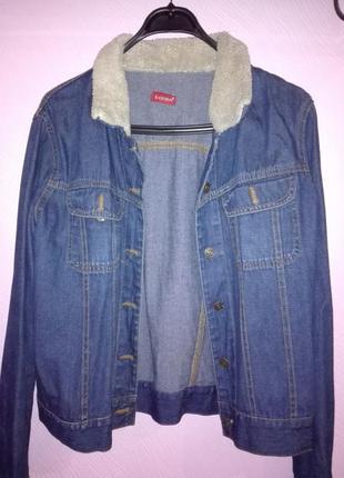 Джинсовая куртка с меховым воротником фирмы karen