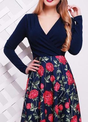 Новое платье с яркими коралловыми розами на синем фоне, р. м 44-46-48