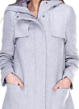 Легкое пальто с капюшоном zara
