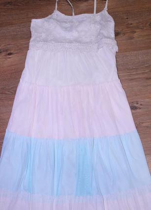 Шикарнячее платье с фатиновым низом в несколько слоев и очень нежным ажурным верхом