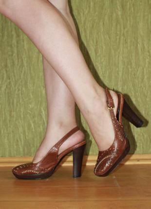 Кожаные туфли, сабо, босоножки medea