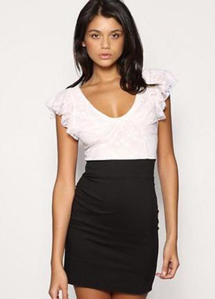 Платье от tfnc london. новое. кружево. супер цена