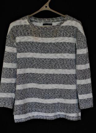 Плотный полосатый пуловер серого цвета