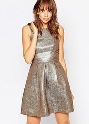 Шикарное жакардовое коктейльное платье с металлическим отливом vero moda