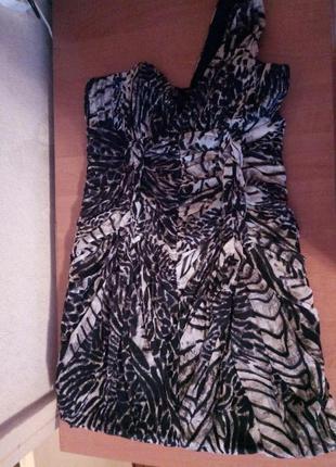 Изящное коктейльное платье