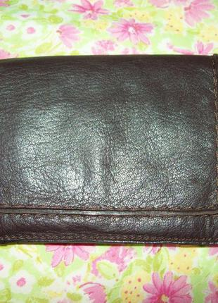 Кошелек темно-коричневый clarks 100%натуральная кожа 10.5*16см в слож.виде