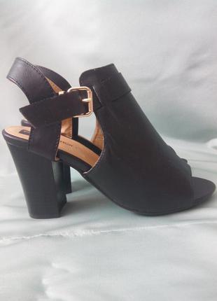 Стильные  черные туфли / босоножки / ботильоны / на широкую стопу1