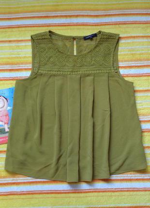 Блуза с кружевом горчичного цвета