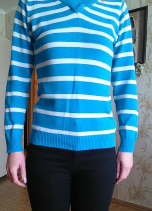 Симпатичный свитерок в полоску