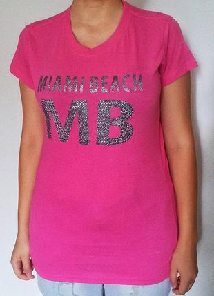 Ярко-розовая футболка u.s.apparel со стразами