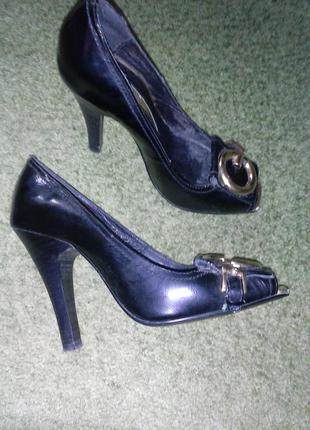 Кожаные туфельки «mallanee»