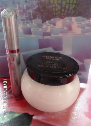Наборчик косметики парфюмированный крем для тела power woman и тушь