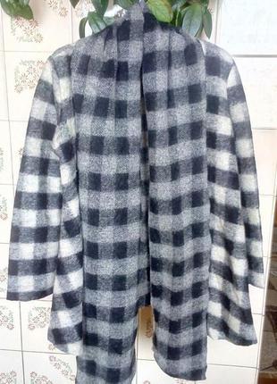 Стильное шерстяное пальто zara.