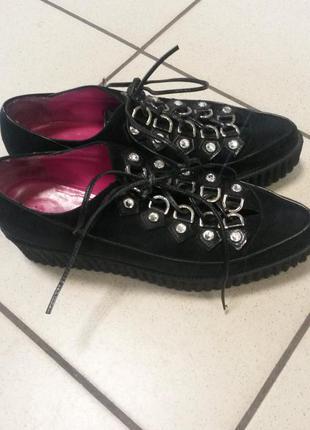 Gianmarco lorenzi. шикарные лоферы - слипоны на шнурках с камнями.