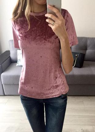 Бархатная футболка нежно розового цвета