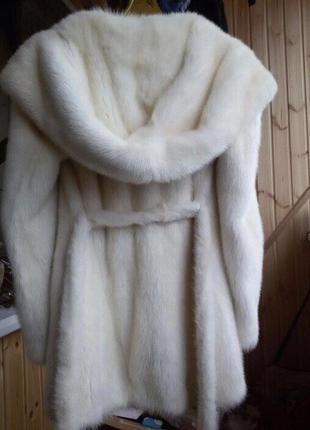 Белая норковая шуба с капюшоном kopenhagen fur р.s