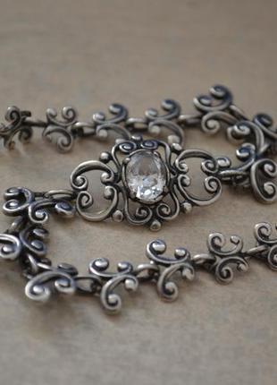Нежный винтажный готический серебряный браслет с камнем и с узорами
