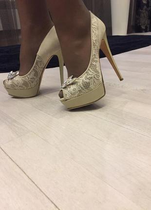 Свадебные туфли-босоножки//туфли на выпускной//туфли летние