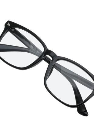 Стильные имиджевые черные очки