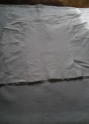 Классная белая юбка из стрейч котона