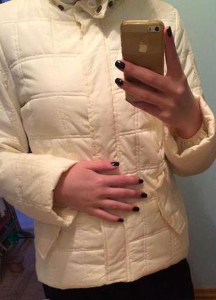 Белая кремовая куртка colin's