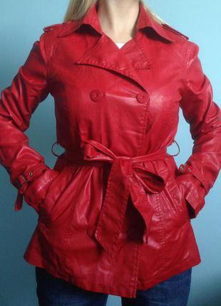 Красная курточка под кожу кожанка colin's