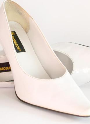 Туфли белые свадебные лакированные monarch