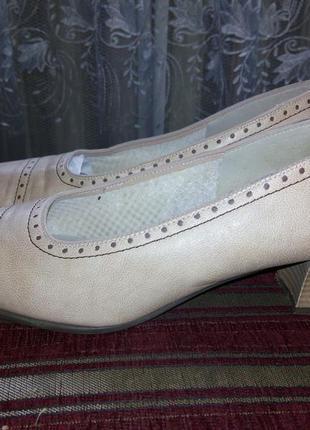Туфли от бренда gerwinia