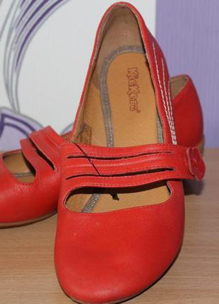 Фирменные балетки kickers размер 40