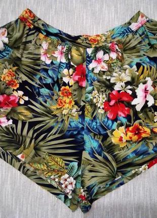 Вискозные шорты в цветочный принт
