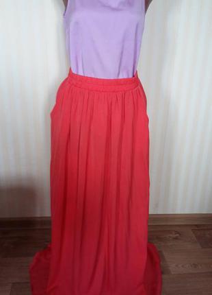Шикарная длинная юбка алого цвета