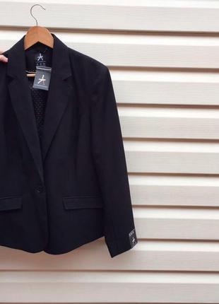 Черный пиджак от atmosphere