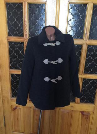 Пальто демисезонное.пальто оригинальное ,стильное.