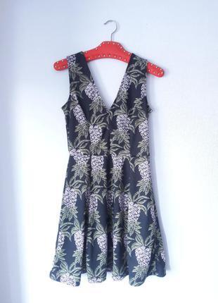 H&m s m размер трикотажное платье с вырезом