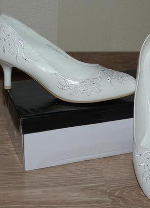 Свадебные белые туфли 37р.