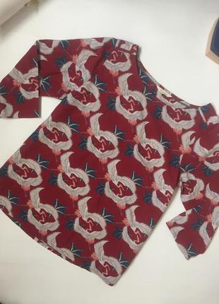 Очень красивая блуза с аистами